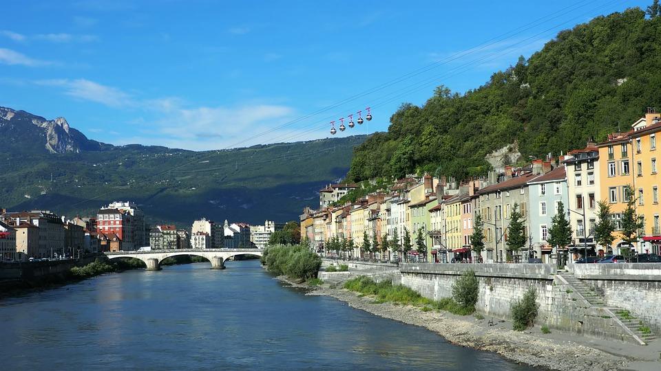 Louer son appartement à Grenoble avec le fichier de la Construction
